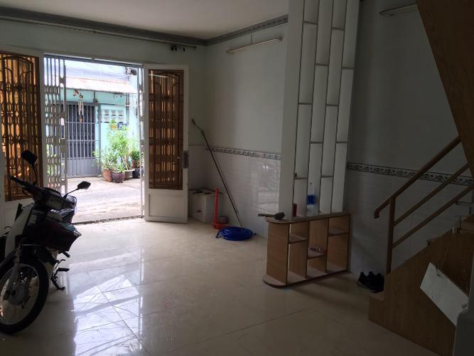 Bán nhà hẻm 4m Lê Văn Lương 2 tầng, sổ hồng chính chủ.