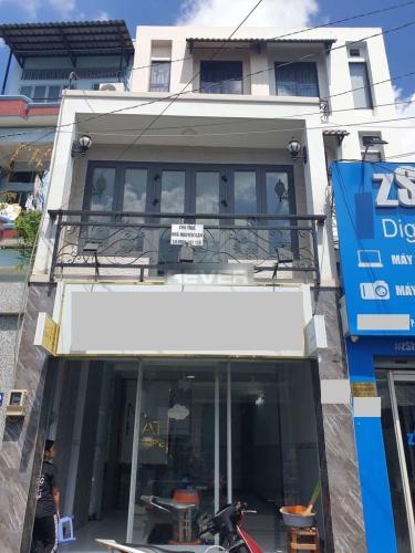 Mặt bằng kinh doanh Quận Tân Bình diện tích 108m2, nội thất cơ bản.