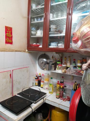 Phòng bếp nhà phố Nhà phố Tân Phú hướng Đông Bắc diện tích đất 2.2mx12m, hẻm xe máy.