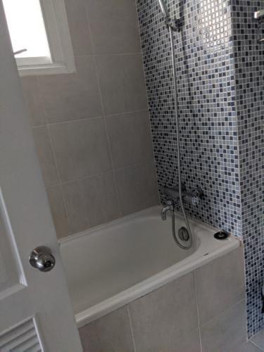 Phòng tắm Green View, Quận 7 Căn hộ Green View đầy đủ nội thất, view nội khu.