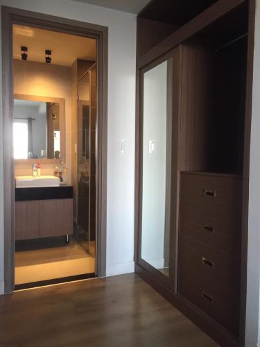 Phòng tắm Galaxy 9, Quận 4 Căn hộ Galaxy 9 tầng trung, đầy đủ nội thất.