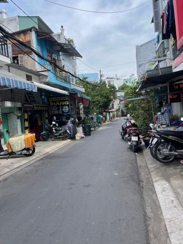 Mặt tiền đường Nhà phố Bình Tân diện tích sử dụng 156m2, 1 trệt 1 lầu.