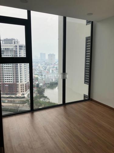 Căn hộ chung cư Eco Green Saigon tầng trung, view nội khu hồ bơi.