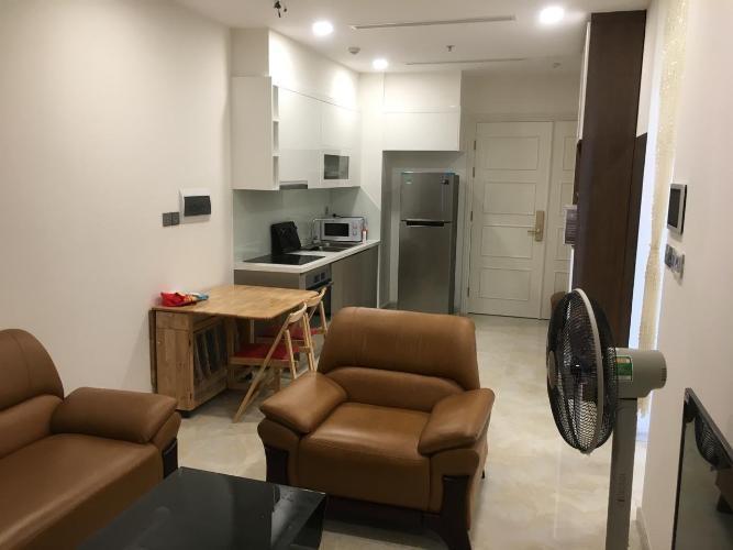 Căn hộ Office-tel Vinhomes Golden River tầng 15, đầy đủ nội thất.
