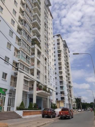 Chung cư Đông Hưng Căn hộ chung cư Đông Hưng tầng trung, cửa hướng Đông Bắc.