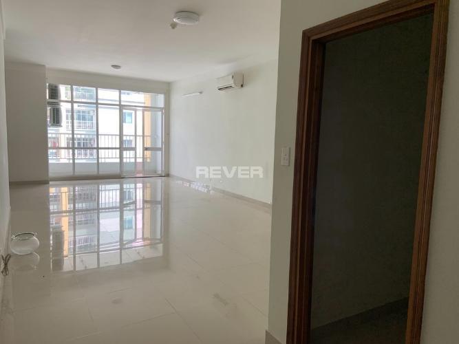 Căn hộ tầng cao Belleza Apartment đón view nội khu yên tĩnh.