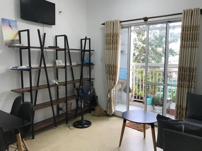 Căn hộ Idico Tân Phú ban công hướng Nam, nội thất đầy đủ.