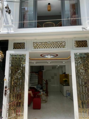 Nhà phố Q.Phú Nhuận diện tích sử dụng 102.6m2 có sổ đỏ, đầy đủ nội thất.
