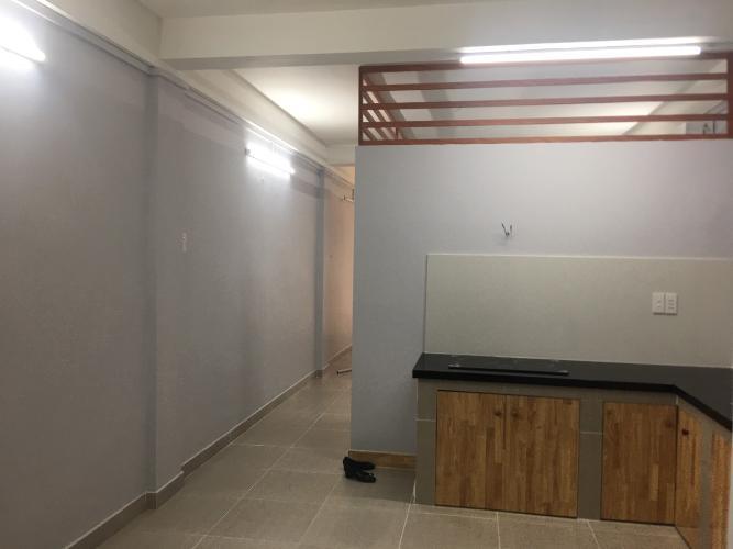 Bán nhà hẻm Q. Bình Thạnh, nội thất cơ bản liền tường, vào ở ngay.