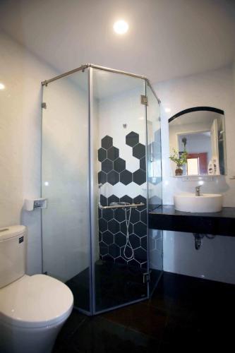 Phòng tắm căn hộ RichStar, Quận Tân Phú Căn hộ RichStar tầng 22 view đón gió thoáng mát, nội thất đầy đủ.