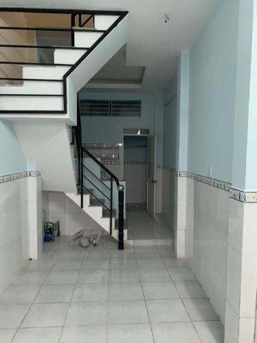 Bán nhà hẻm Vĩnh Khánh, phường 8, Quận 4, hướng Đông, sổ hồng chính chủ