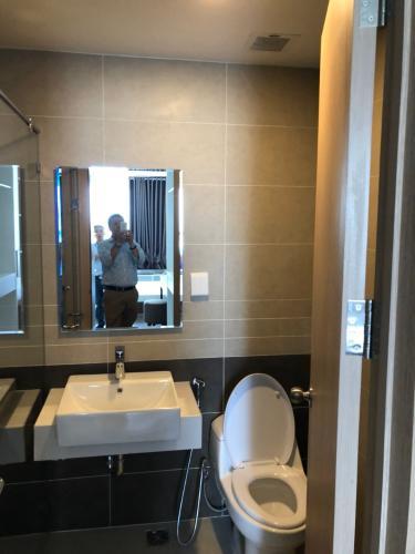nhà tắm căn hộ The sun Căn hộ tầng 12 The Sun Avenue, view thành phố và Landmark 81