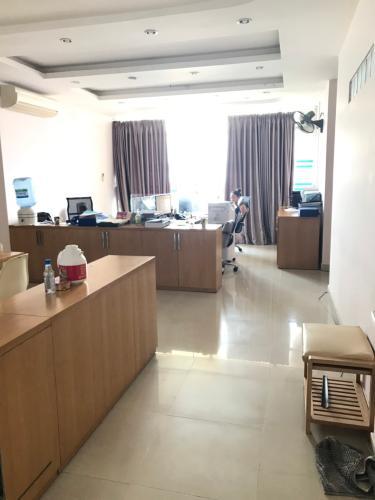 Căn hộ chung cư Bình Minh nội thất cơ bản, view thành phố.