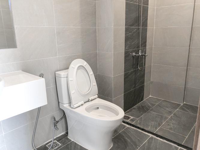 Toilet Vinhomes Grand Park Quận 9 Căn hộ Vinhomes Grand Park 1 phòng ngủ, nội thất cơ bản.