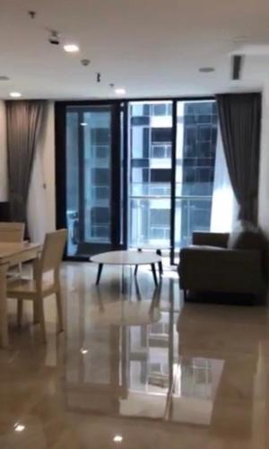 Căn hộ Vinhomes Golden River tầng cao view thoáng mát, đầy đủ nội thất.