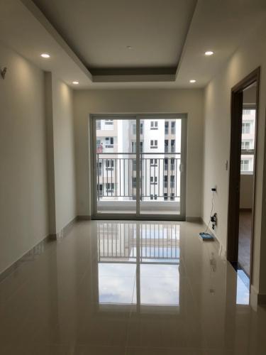 Căn hộ Lavita Charm tầng 19 view đón gió trời mát mẻ, nội thất cơ bản.