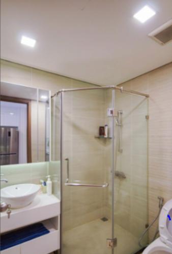 Phòng tắm Vinhomes Central Park Căn hộ Vinhomes Central Park hướng Đông Nam, nội thất đầy đủ.