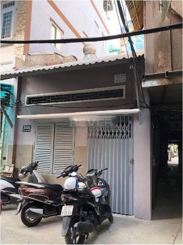 Nhà phố cách chợ Bến Thành chỉ 300m, kết cấu nhà 1 trệt 1 gác.
