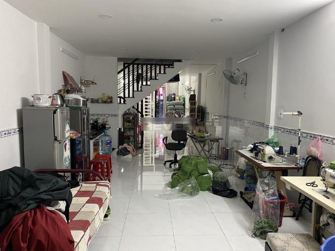 Phòng khách nhà phố Quận tân Bình Nhà phố hẻm rộng 6m Q.Tân Bình hướng Tây Nam, sổ hồng riêng.