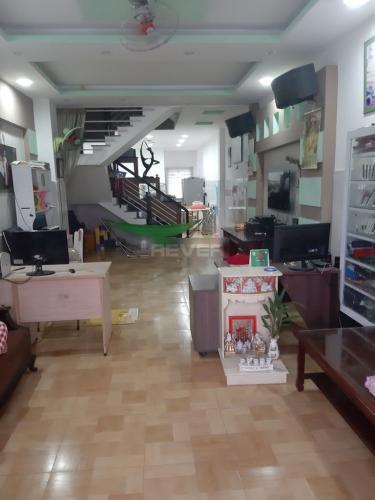 Phòng khách nhà phố Quận Bình Tân Nhà phố mặt tiền Đường số 27 hướng Đông Bắc, diện tích sử dụng 360m2.