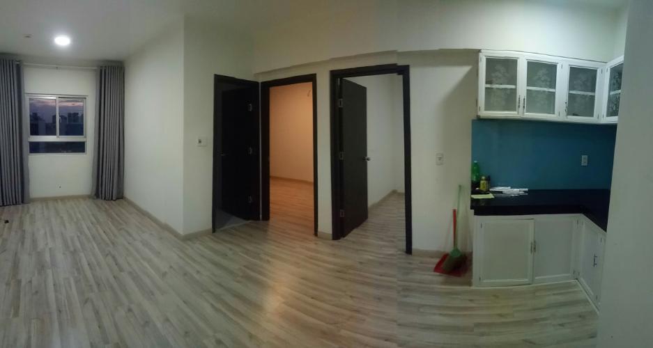 Căn hộ Celadon City tầng 4 có 2 phòng ngủ, nội thất cơ bản.