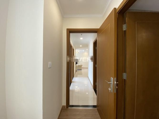 Không gian căn hộ Vinhomes Central Park , Quận Bình Thạnh Căn hộ tầng 27 Vinhomes Central Park gồm 3 phòng ngủ, đầy đủ nội thất.