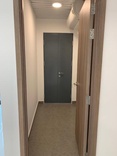 Không gian căn hộ Sunwah Pearl, Bình Thạnh Căn hộ Sunwah Pearl nội thất cơ bản, tiện ích xung quanh đầy đủ.
