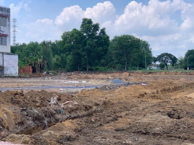 Đất nền có 3 mặt tiền đường rộng rãi, cách đường Nguyễn Duy Trinh 70m.