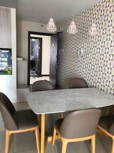 Căn hộ Sunrise Riverside bàn giao đầy đủ nội thất, thiết kế hiện đại.
