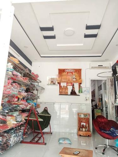 Phòng khách nhà phố Huyện Bình Chánh Nhà 1 trệt 1 lầu Huyện Bình Chánh hướng Tây Nam, sổ hồng riêng.