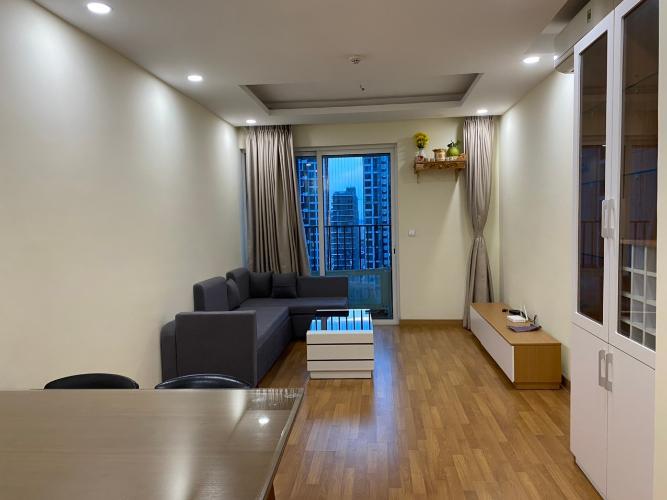 Căn hộ tầng cao Vista Verde hướng Tây Bắc, đầy đủ nội thất.