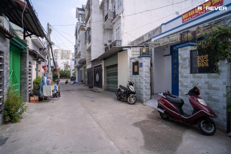 Hẻm nhà phố đường Huỳnh Tấn Phát, Nhà Bè Nhà phố trung tâm thị trấn Nhà Bè hướng Tây Nam, hẻm trước rộng 6m.