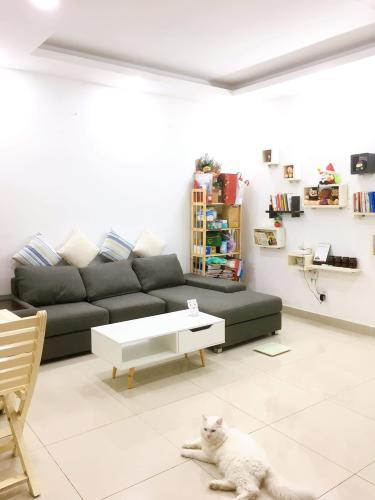 Phòng khách căn hộ Oriental Plaza, Tân Phú Căn hộ chung cư Oriental Plaza hướng Tây Nam, view thành phố sầm uất.