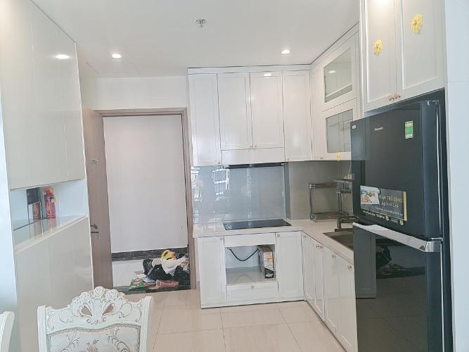 Không gian căn hộ Vinhomes Grand Park, Quận 9 Căn hộ Vinhomes Grand Park tầng cao, có 2 phòng ngủ đón thoáng mát.