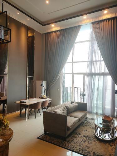 Duplex Vista Verde tầng trung thiết kế hiện đại, nội thất đầy đủ.