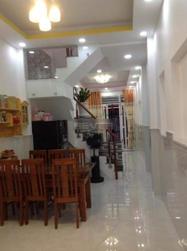 Phòng bếp nhà phố Đoàn Văn Bơ, Quận 4 Nhà phố hướng Đông Bắc, đường trước nhà 5m, xe hơi qua lại.