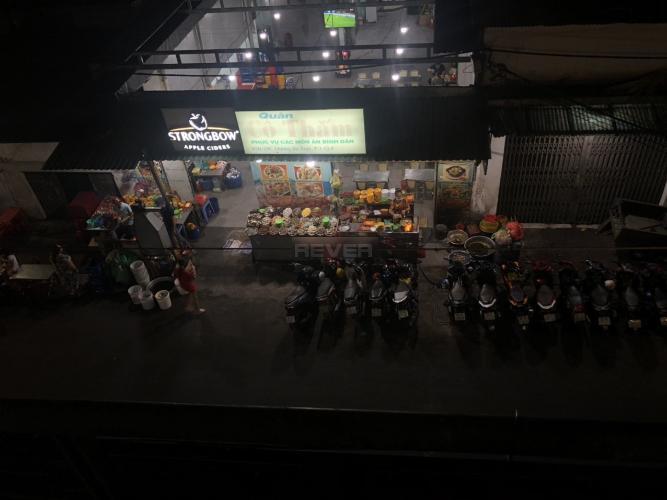Phía trước nhà phố Dương Bá Trạc, Quận 8 Nhà nguyên căn tiện kinh doanh, mở văn phòng công ty, hướng Tây Nam.