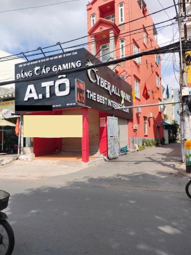 Nhà phố hướng Đông thoáng mát, 2 mặt tiền rộng tiện kinh doanh.