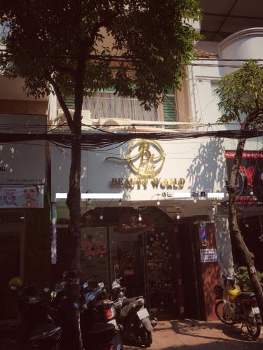 Nhà phố mặt tiền đường Bàu Cát, kết cấu 1 trệt 2 lầu bàn giao sổ hồng.
