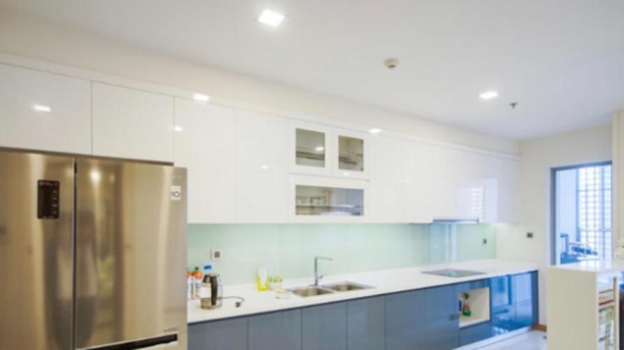 Phòng bếp Vinhomes Central Park Căn hộ Vinhomes Central Park hướng Đông Nam, nội thất đầy đủ.