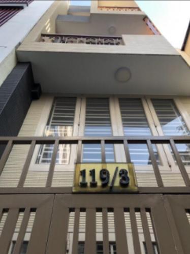 Nhà phố hẻm rộng 4m cách đường ĐInh Tiên Hoàng 20m, diện tích 42m2.