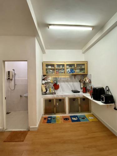 Phòng bếp chung cư Mười Mẫu, Quận 2 Căn hộ chung cư Mười Mẫu đầy đủ nội thất, hướng Nam.