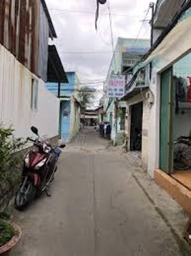 Hẻm Nhà phố hướng Bắc, hẻm bê tông sạch sẽ rộng rãi.
