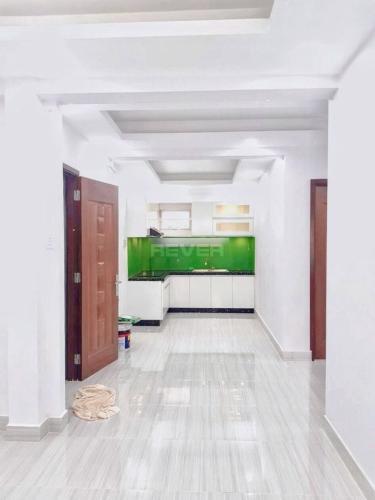 Căn hộ chung cư 518 Võ Văn Kiệt tầng thấp, view nội khu yên tĩnh.