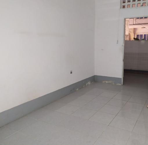 Căn hộ chung cư 65 Đinh Công Tráng nội thất cơ bản, thoáng mát.