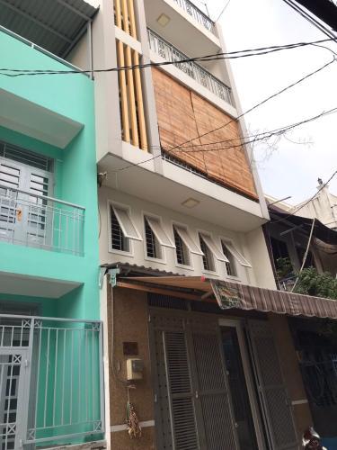 Nhà phố cách vòng xoay Lý Thái Tổ chỉ 270m, đầy đủ nội thất.