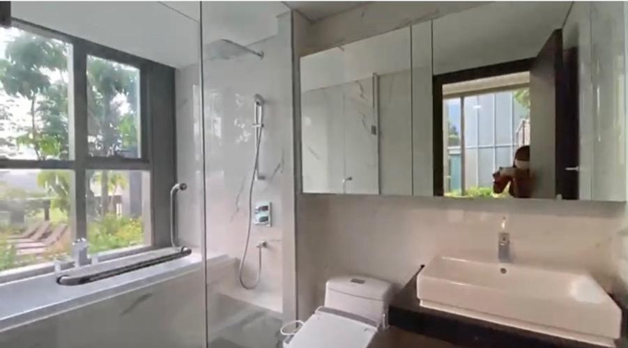 Căn hộ Empire City, Quận 2 Căn hộ Empire City tầng 5 có 3 phòng ngủ, nội thất cơ bản.