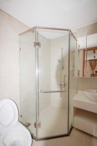 Phòng tắm , Căn hộ Vinhomes Central Park , Quận Bình Thạnh Căn hộ Vinhomes Central Park tầng 2 view nội khu yên tĩnh, đầy đủ nội thất.