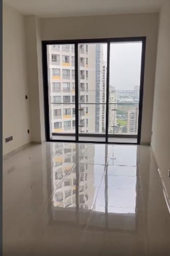 Căn hộ Q2 Thảo Điền tầng 21 cửa hướng Đông Bắc, nội thất cơ bản.