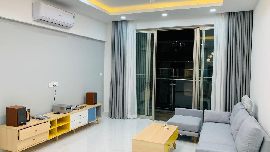 Căn hộ Phú Mỹ Hưng Midtown tầng trung đầy đủ nội thất sang trọng.